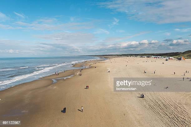 high angle view of beach - bortes stockfoto's en -beelden