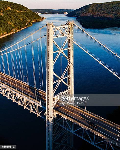 high angle view of bear mountain bridge over hudson river - bear mountain bridge stock pictures, royalty-free photos & images