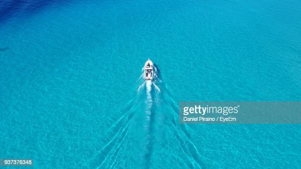 high angle view of boat sailing in sea - ナッソー ストックフォトと画像