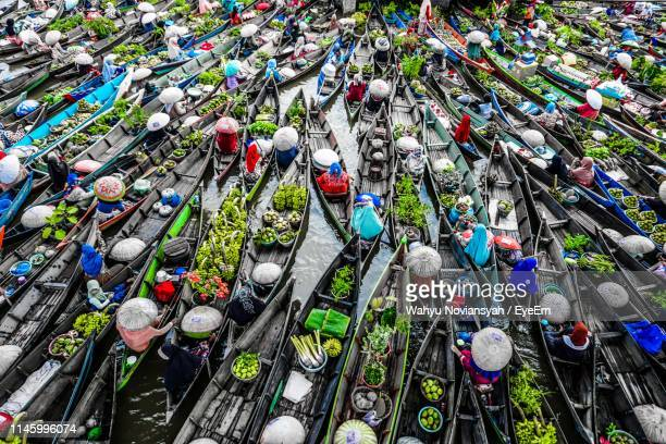 high angle view of boats on lake at market - eyeem collection stock pictures, royalty-free photos & images
