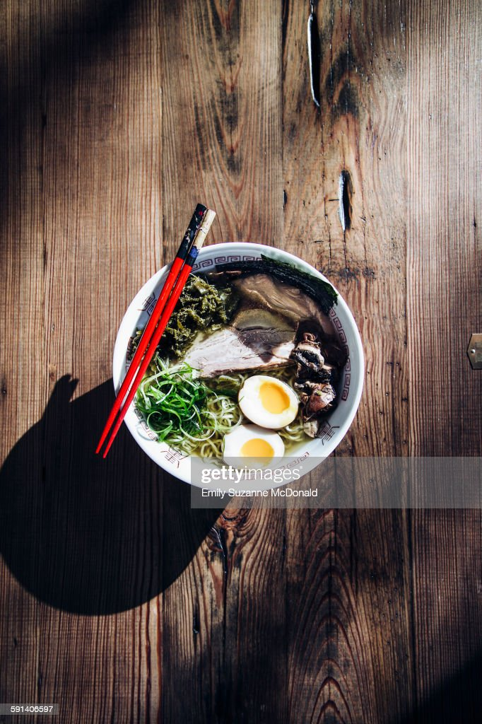 High angle view of bowl of ramen : Stock Photo