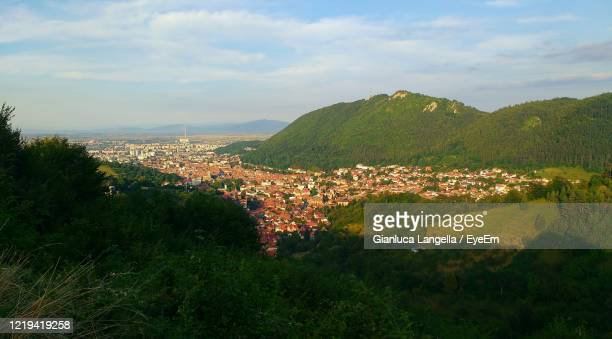 high angle view of brasov city in romania - gianluca langella imagens e fotografias de stock
