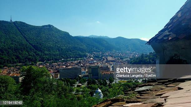 high angle view of brasov, city of romania in historic transylvania region - gianluca langella imagens e fotografias de stock