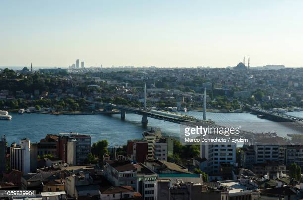 high angle view of bridge over river in city - モザンビーク ストックフォトと画像