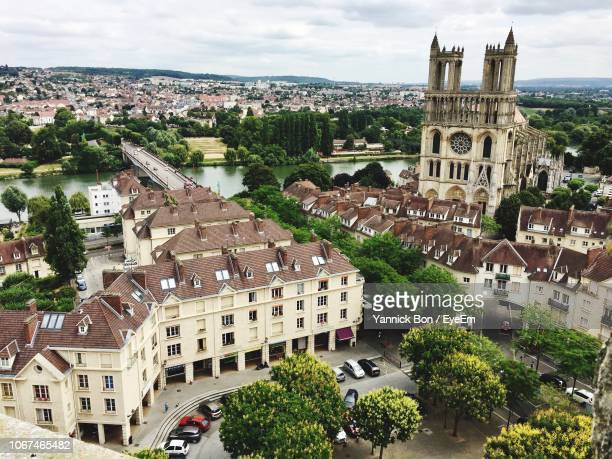 high angle view of buildings in town - yvelines stock pictures, royalty-free photos & images
