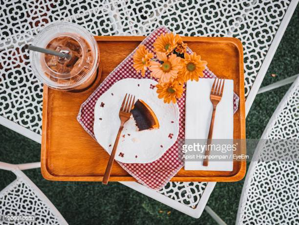 high angle view of cake on table - apisit hiranpornpan stock pictures, royalty-free photos & images