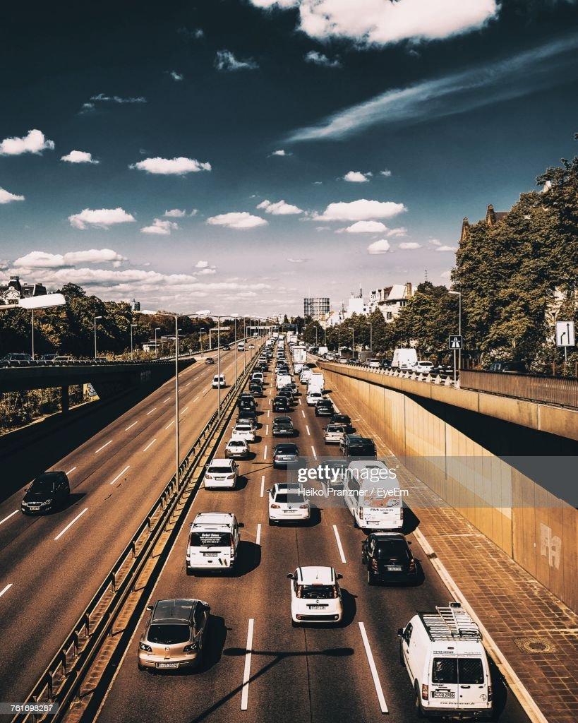 High Angle View Of Cars On Road In City Against Sky : Stock-Foto