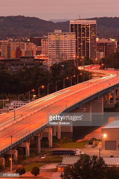 high angle view of city and rt. 27 at dawn, chattanooga, tennessee, usa - chattanooga stock pictures, royalty-free photos & images