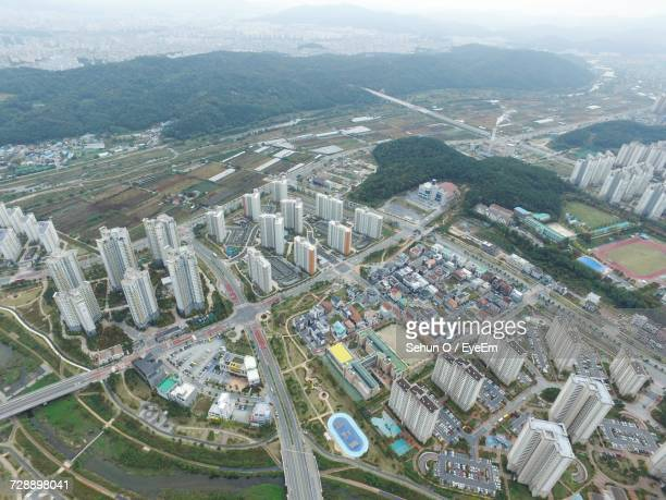 high angle view of cityscape against sky - sehun stock pictures, royalty-free photos & images