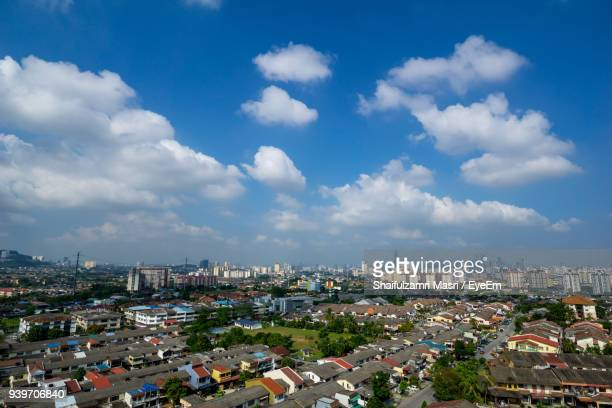 high angle view of cityscape against sky - shaifulzamri foto e immagini stock