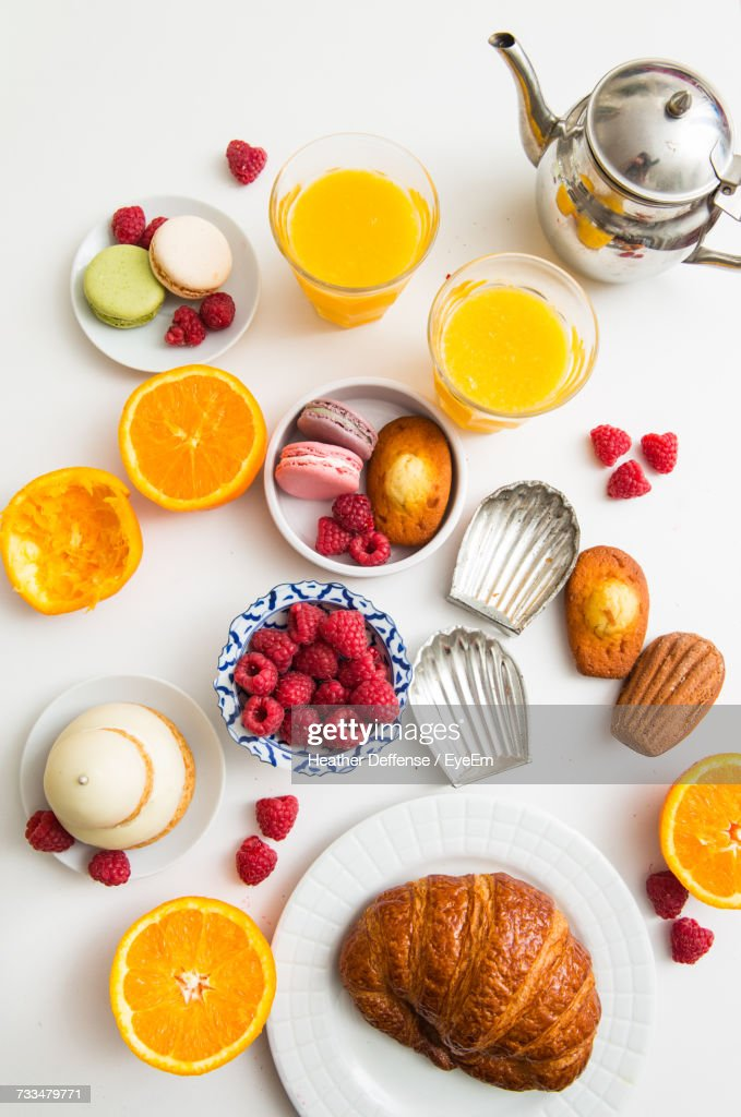 High Angle View Of Desserts On Table : Stock-Foto