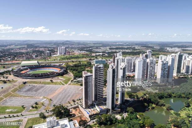 high angle view of goiânia (go), showing flamboyant park - goias stock pictures, royalty-free photos & images