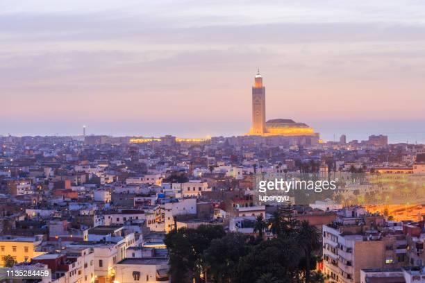 high angle view of hassan ii mosque in casablanca, morocco - casablanca photos et images de collection