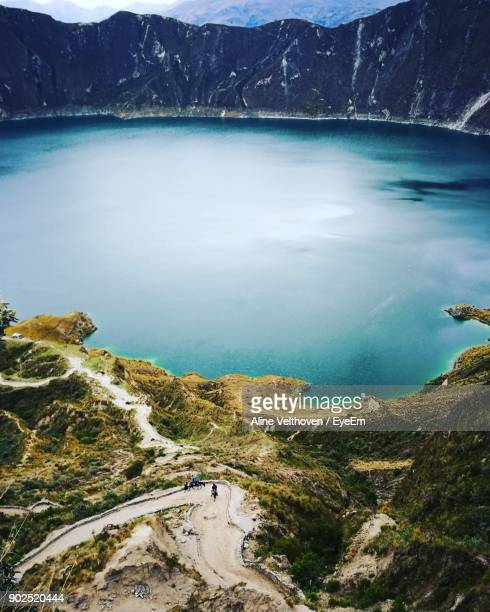 high angle view of lake and mountains against sky - ecuador fotografías e imágenes de stock