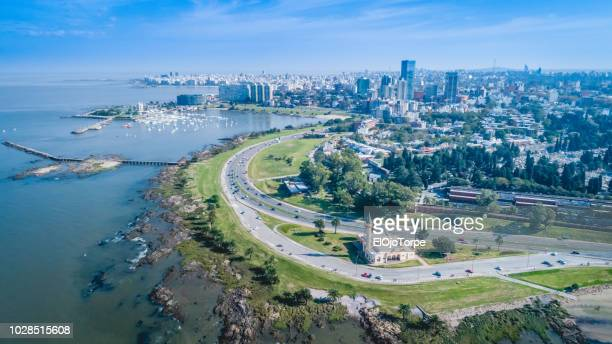 high angle view of montevideo's coastline, puertito del buceo, pocitos neighbourhood, uruguay - montevideo stock pictures, royalty-free photos & images