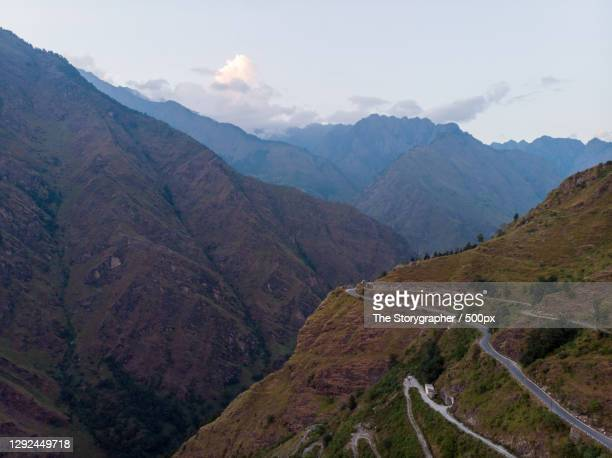 high angle view of mountains against sky,new hampshire,india - the storygrapher stock-fotos und bilder