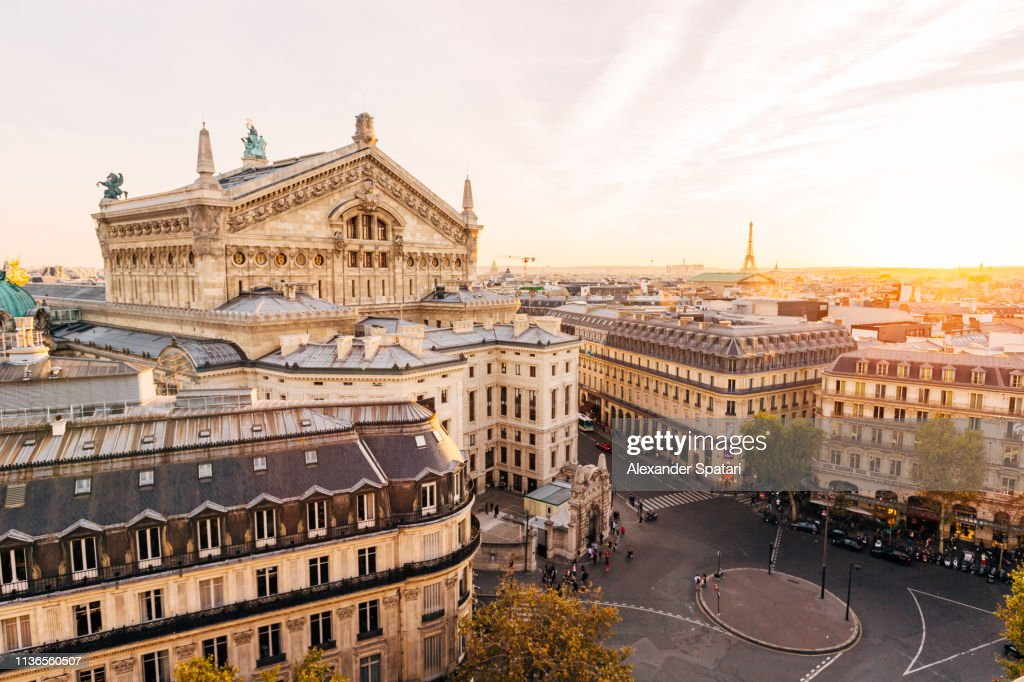 High angle view of Paris skyline at sunset : Foto de stock
