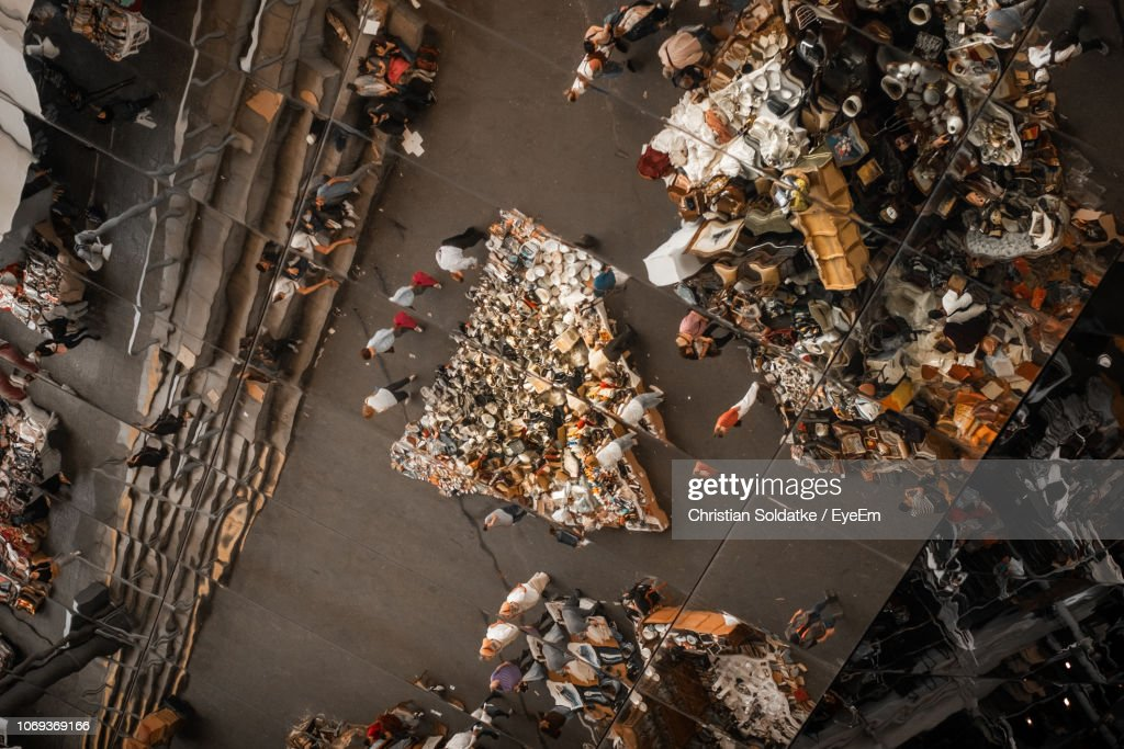 High Angle View Of People At Market In City : Foto de stock