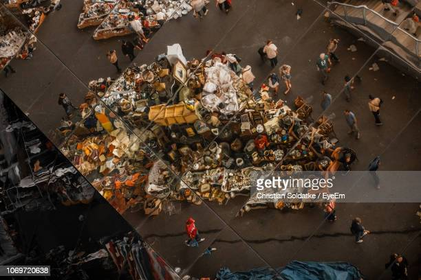 high angle view of people at market in city - christian soldatke fotografías e imágenes de stock