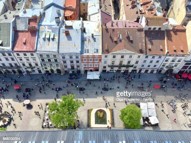 high angle view of people in city - ucrania fotografías e imágenes de stock