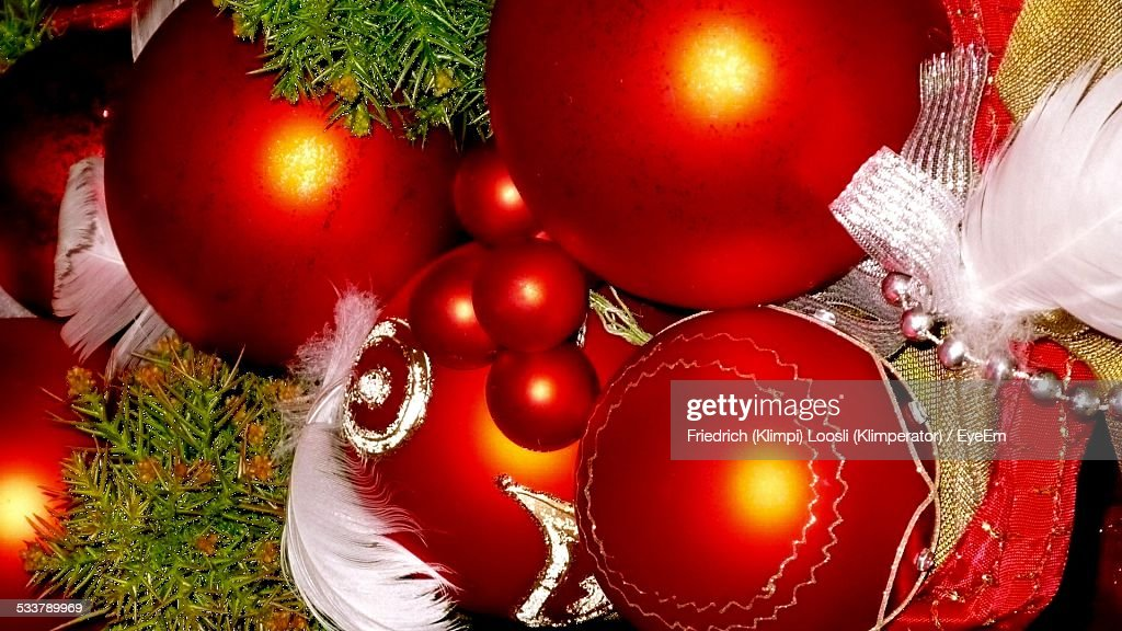 High Angle View Of Red Christmas Ornament : Foto stock