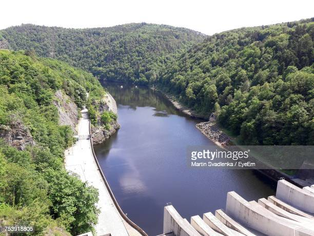 high angle view of river amidst trees in forest - ostrava stock pictures, royalty-free photos & images