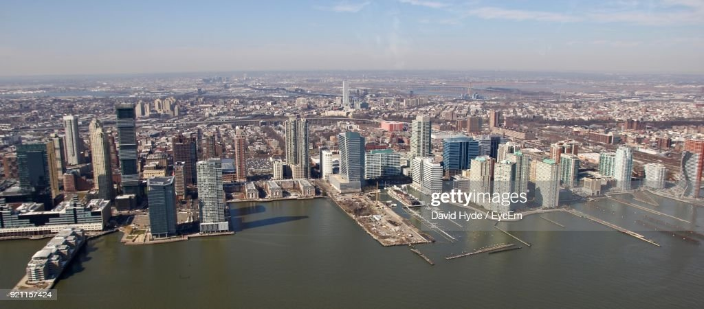 High Angle View Of River And Cityscape Against Sky : Stock-Foto