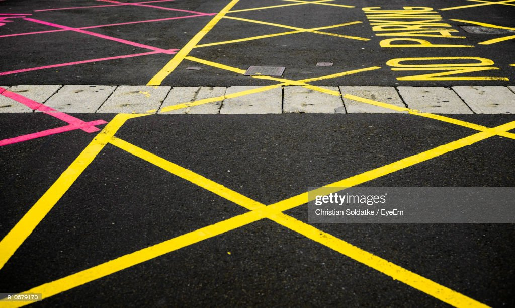 High Angle View Of Road Markings : Stock-Foto