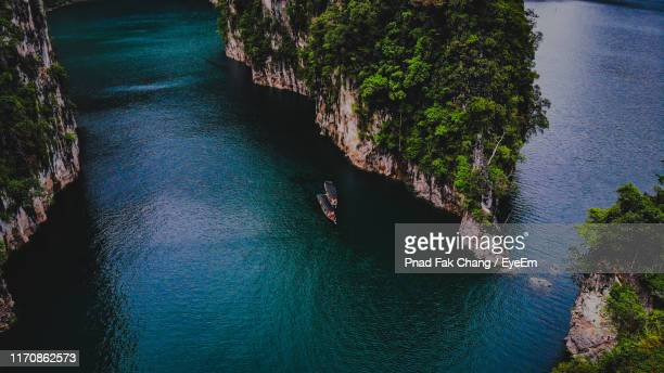 high angle view of rock formation in sea - surat thani province stock pictures, royalty-free photos & images