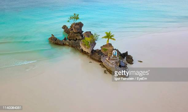 high angle view of rocks at beach - cebu province stock pictures, royalty-free photos & images