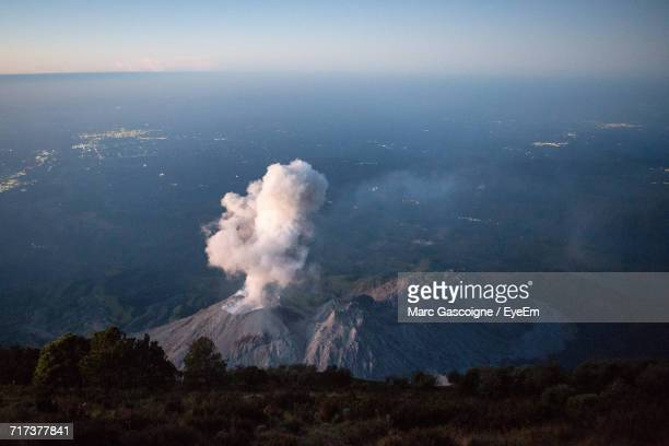 high angle view of santa maria volcano - quetzaltenango stock-fotos und bilder