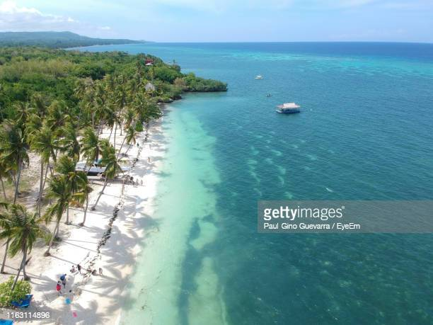 high angle view of sea against sky - cebu province stock pictures, royalty-free photos & images
