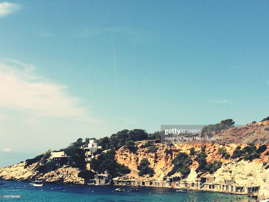 High Angle View Of Sea And Mountains Against Sky : Foto stock