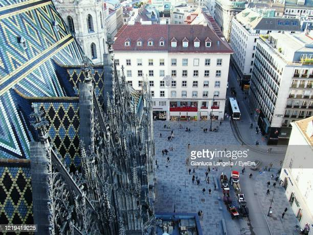 high angle view of stephansplatz from the stephansdom nordturm in vienna, austria - gianluca langella imagens e fotografias de stock