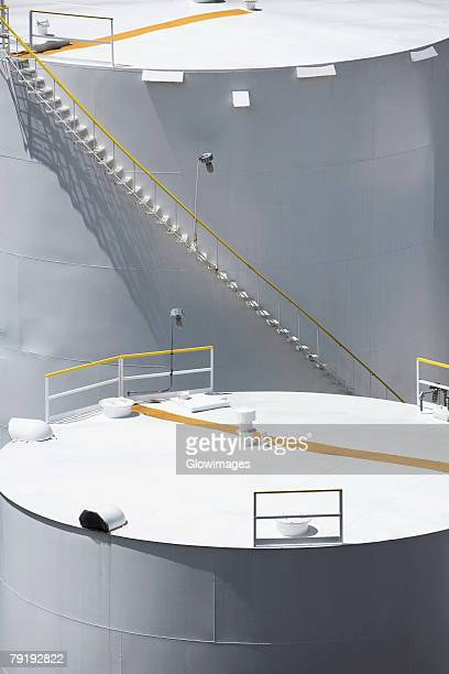 high angle view of storage tanks, nawiliwili beach park, kauai, hawaii islands, usa - tanque de armazenamento imagens e fotografias de stock
