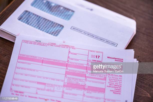 60 Top 1040 Tax Form Pictures, Photos and Images - Getty Images