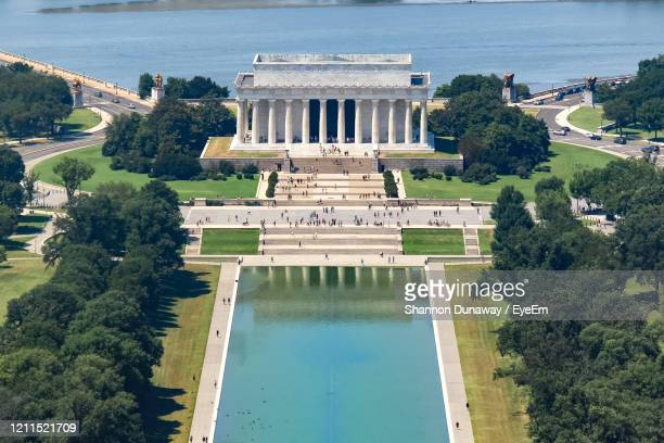 high angle view of the lincoln memorial in washington, d.c., usa. - reflecting pool stock pictures, royalty-free photos & images