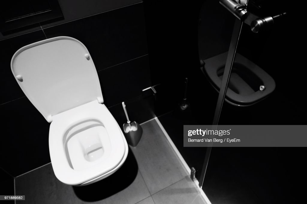 Phenomenal High Angle View Of Toilet Stock Photo Getty Images Spiritservingveterans Wood Chair Design Ideas Spiritservingveteransorg
