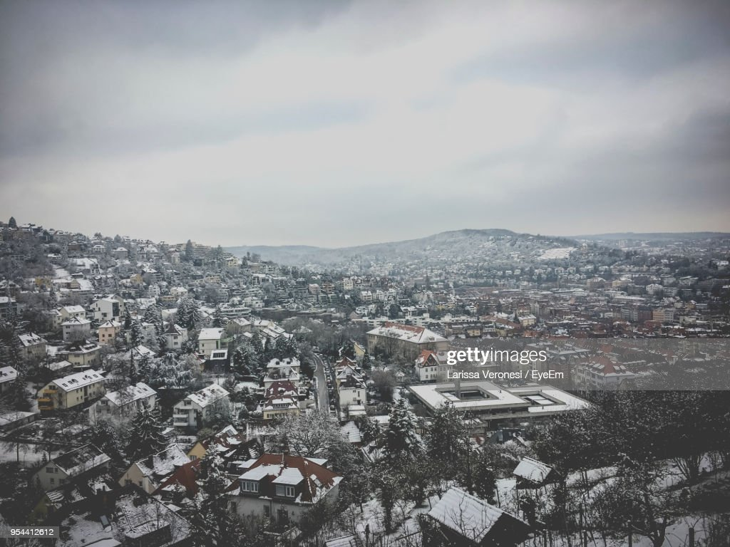 High Angle View Of Townscape Against Sky During Winter : Stock-Foto