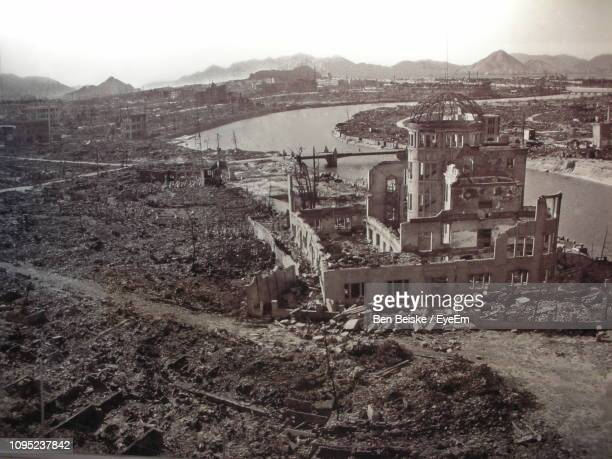 high angle view of townscape against sky - hiroshima imagens e fotografias de stock