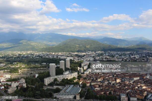 high angle view of townscape against sky - grenoble stockfoto's en -beelden