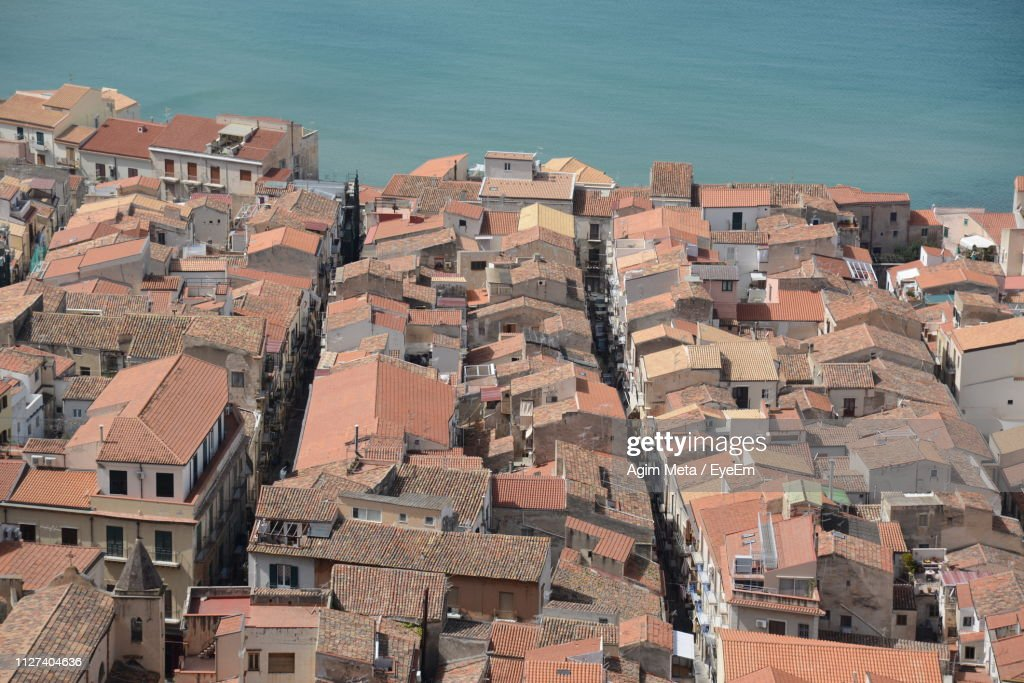 High Angle View Of Townscape By Sea : Stock-Foto