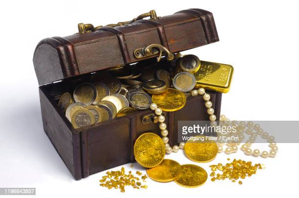 high angle view of treasure chest against white background - 宝箱 ストックフォトと画像