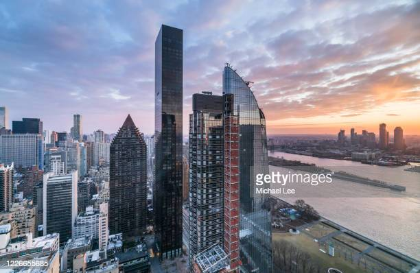 high angle view of upper east side and east river - new york - 領事館 ストックフォトと画像
