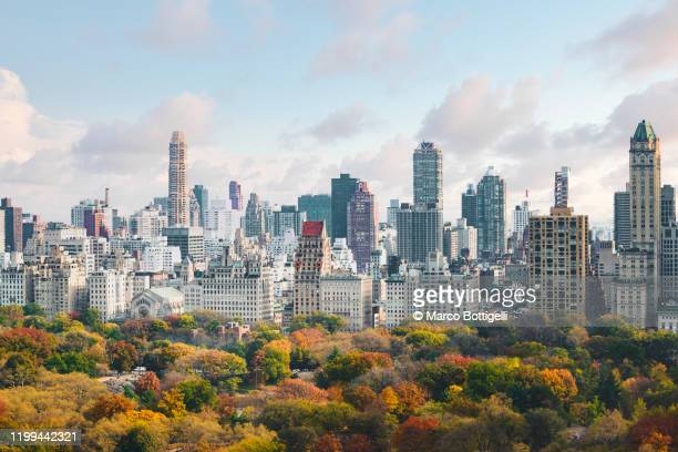 high angle view of upper west side manhattan skyline and central park, new york city - manhattan new york city stock pictures, royalty-free photos & images