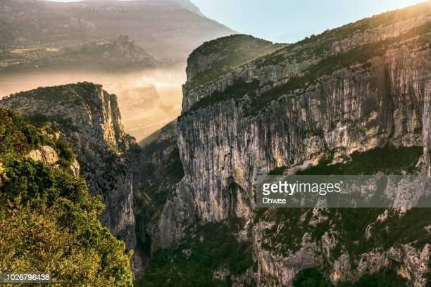 high angle view of verdon gorge or grand canyon du verdon in the morning - alpes de haute provence stockfoto's en -beelden