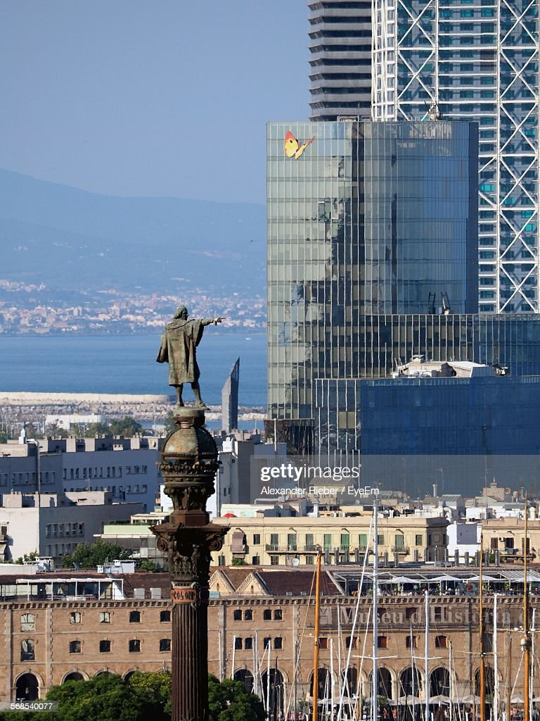 High Angle View Sculpture Against Cityscape : Foto de stock