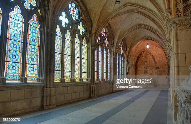 high cloister of the cathedral of burgos - burgos stock-fotos und bilder