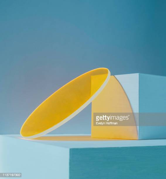 high contrast yellow and teal geometric transparency and square - nature morte photos et images de collection