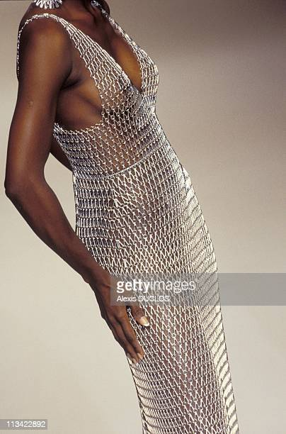High Fashion Couture Fall-Winter: Details On July 07th, 1994 - Paco Rabanne